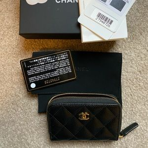 Chanel zipped card case